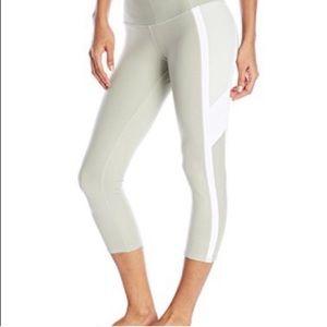 Alo Cool Fit Pistachio Side Stripe Crop Leggings